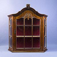 Голландская витрина для миниатюр. Подвесная витрина в классическом стиле. Голландия. Середина ХХ века.