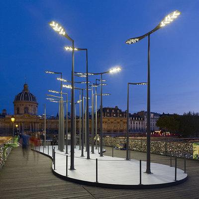 Уличные консольные светильники на опору