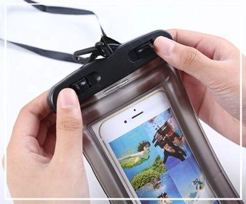 Чехол для смартфона водонепроницаемый со спасательным кругом и ремешком IPX8 (Розовый) - фото 9