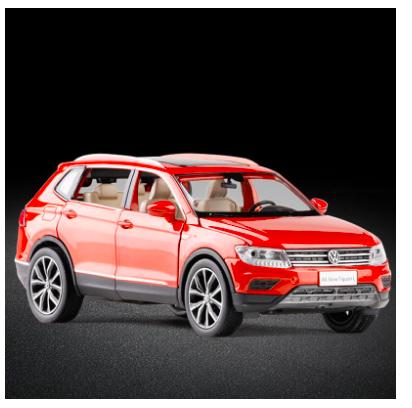 Коллекционная машинка Volkswagen Tiguan L металлическая модель в масштабе 1:32 - фото 8