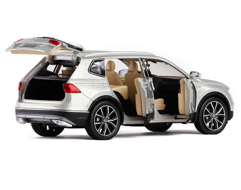 Коллекционная машинка Volkswagen Tiguan L металлическая модель в масштабе 1:32 - фото 7