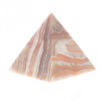 Пирамида из камня оникс 6,3х6,3х7 см (2,5)
