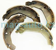 Тормозные колодки задние барабанные    Santa Fe (2000-2005)