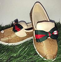 Туфли для девочки с бантами Gucci золотистые размеры 21-26