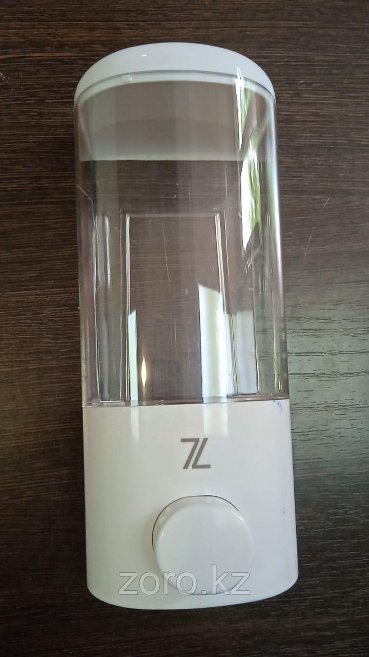 Дозатор диспенсер для жидкого мыла белый 500 мл настенный мыльница