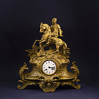 Каминные часы с рыцарем. Скульптор Phillip Mourey (1840-1910) Часовая мастерская S. Marti & Cie Франция.