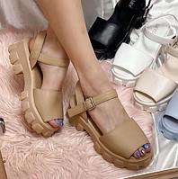 Женские сандалии Prada