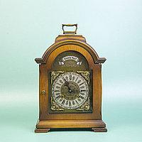 Немецкие настольные часы фирмы Hermle. С часовым и получасовым боем. Настольные часы с механизмом