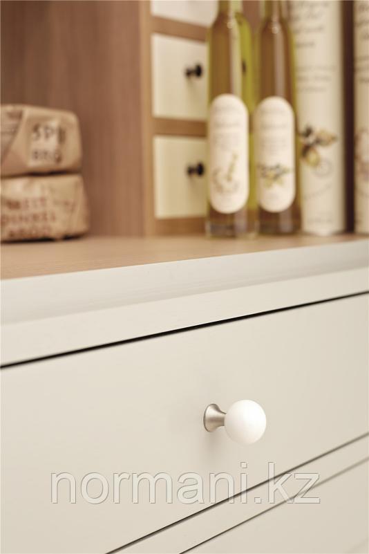 Мебельная ручка кнопка BEAD STRAIGHT d.28мм, отделка белый ножка хром глянец