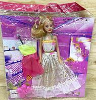 1388 Кукла с платьем и сумочкой в пакете