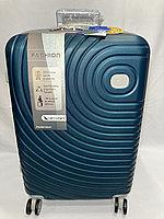"""Средний пластиковый дорожный чемодан на 4-х колесах """" DELONG"""". Высота 67 см, ширина 42 см, глубина 26 см., фото 1"""