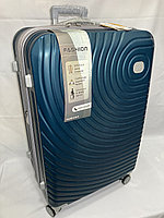 """Большой пластиковый дорожный чемодан на 4-х колесах"""" DELONG"""". Высота 77 см, ширина 49 см, глубина 30 см., фото 1"""