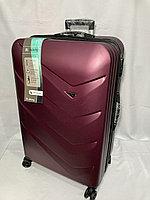 """Большой пластиковый дорожный чемодан на 4-х колесах"""" Delong'. Высота 78 см, ширина 49 см, глубина 32 см., фото 1"""