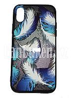 Чехол на Айфон 10 (iPhone X) с зеркальным покрытием объемный принт перья белые голубые