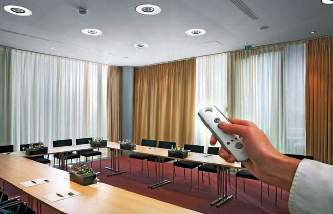 Электрические шторы, Электрические карнизы, управление по сценарию. Длина 2,5м -4,5 м (регулируемая)