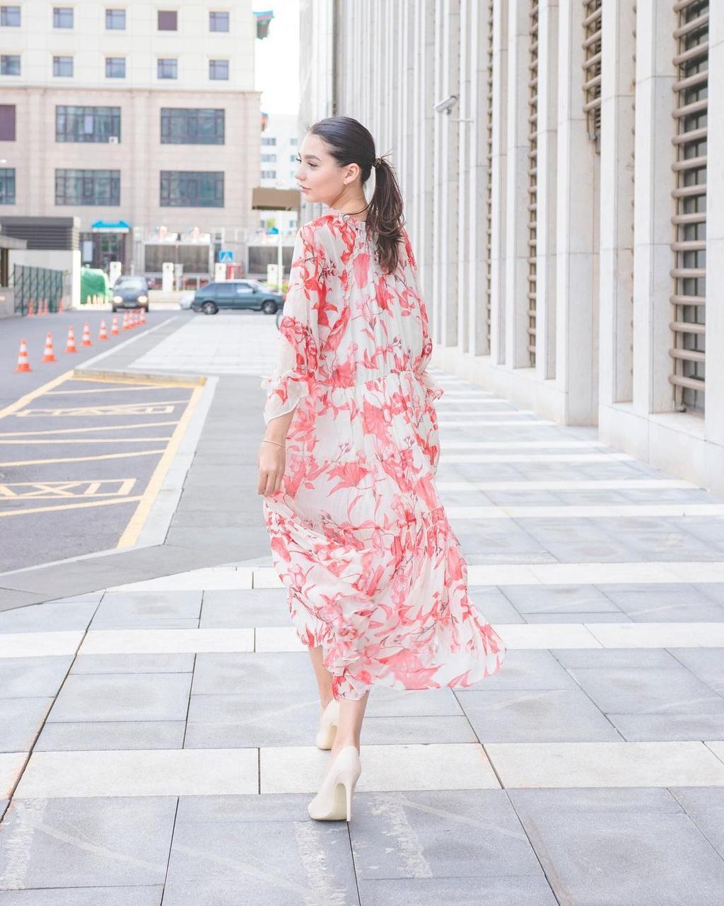 Шифоновое платье кремовое с красным (Hanym, 2021) - фото 2