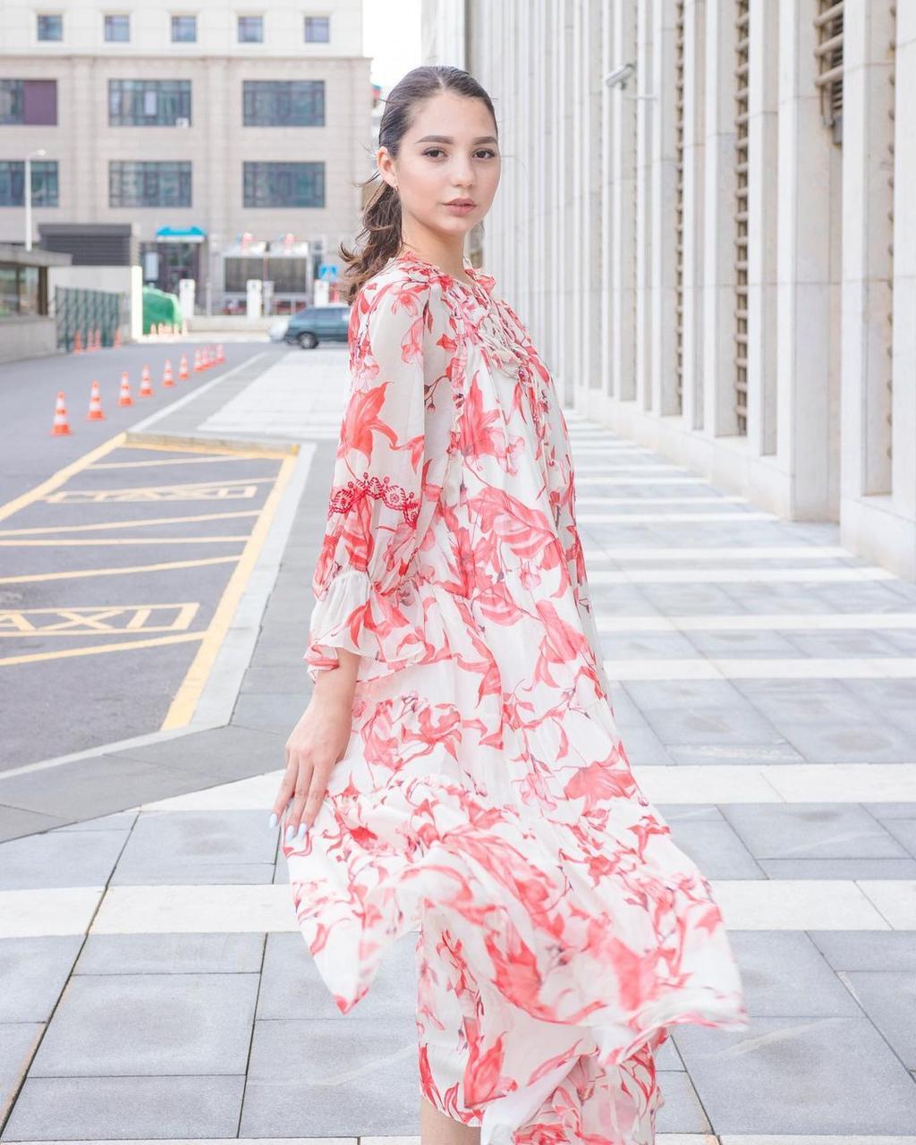 Шифоновое платье кремовое с красным (Hanym, 2021) - фото 1