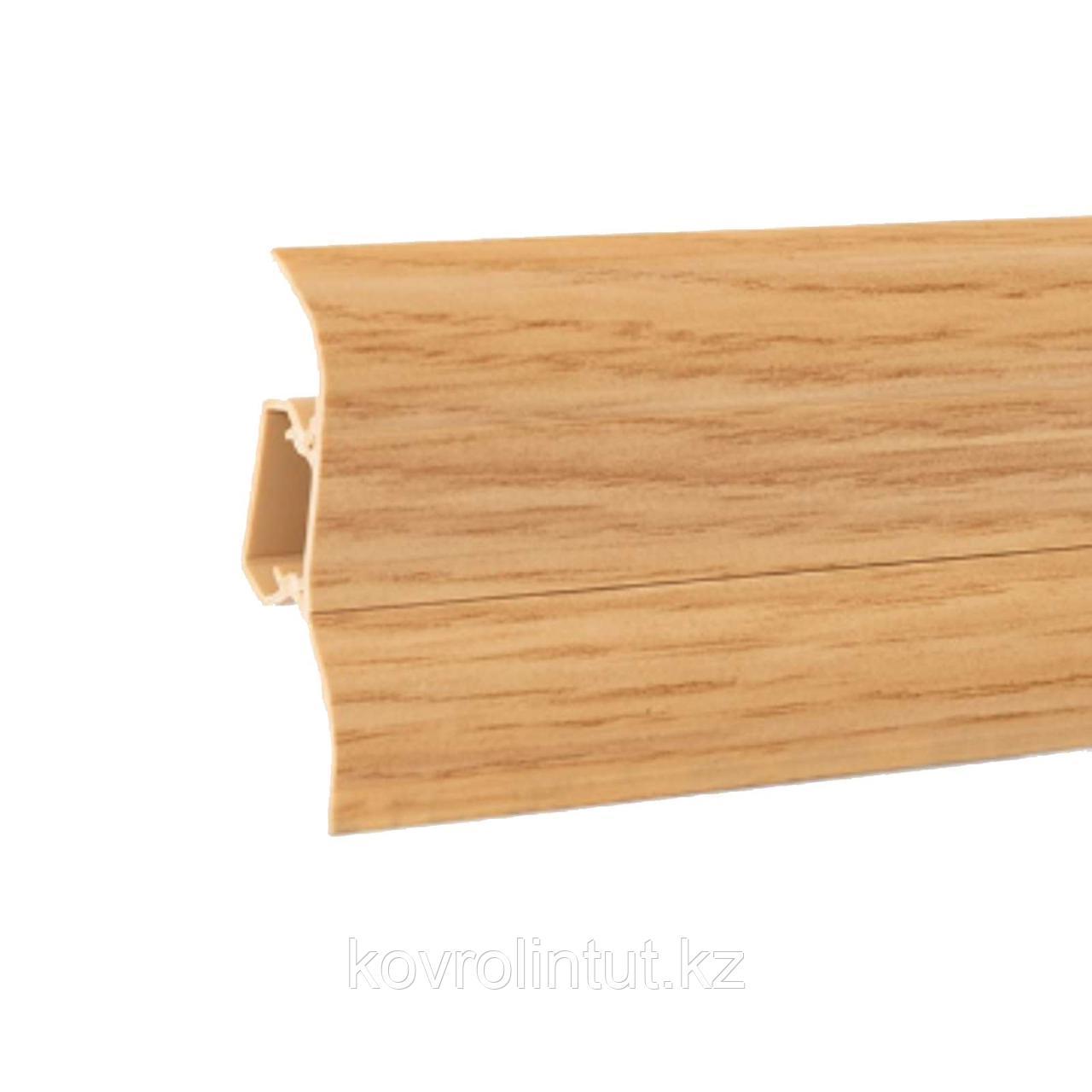 Плинтус Arbiton Lars, 46 дуб золотой, 70х26х2500мм / 20 шт в коробке