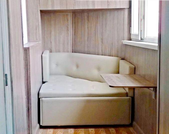 Угловой диван на заказ для балкона - фото 4