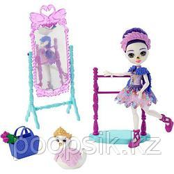 Энчантималс Балетная студия с куклой лебедем Сарели Свон Enchantimals Royals