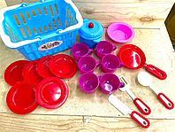 Корзина с посудой (чашка,тарелка,кастрюля,сковорода)