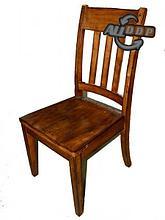 Мебель из дерева и кожи