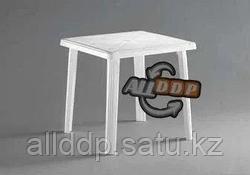 Стол пластиковый квадратный, белый