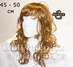 Парик средне русые волосы с челкой и легкими локонами 45 - 50 см