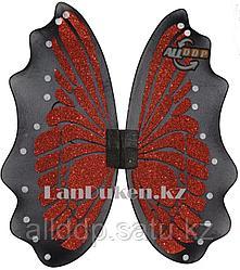 Крылья бабочки красные