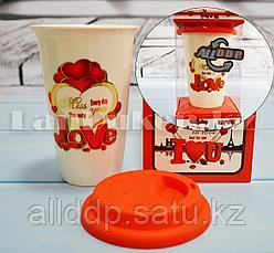 Кружка керамическая с силиконовой крышкой в подарочной упаковке Love Miss you (QF-563)