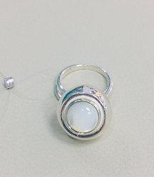 Кольцо с перламутром / серебро - 17,5 размер
