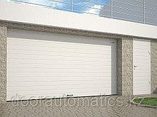 Гаражные секционные ворота из стальных сэндвич-панелей с пружинами растяжения RSD01BIW