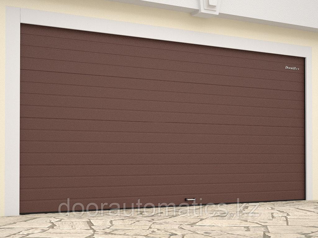 Гаражные секционные ворота стандартных размеров из стальных сэндвич-панелей с пружинами растяжения RSD01BIW-SC