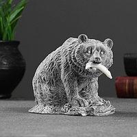 Сувенир 'Медведь бурый с рыбой' 10см