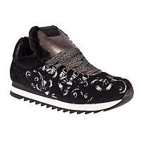 Кроссовки женские, цвет чёрный, размер 38