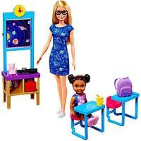 Игровой набор 'Учитель космонавтики' с куклой Барби и ребенком в классе с аксессуарам