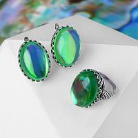 Гарнитур посеребрение 2 предмета серьги, кольцо, овал зигзаг 'Опал', цвет зелёный, 17,5 р-р