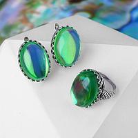 Гарнитур посеребрение 2 предмета серьги, кольцо, овал зигзаг 'Опал', цвет зелёный, 17 р-р