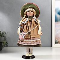 Кукла коллекционная керамика 'Лена в зелёно-розовом платье и бежевом пальто' 40 см