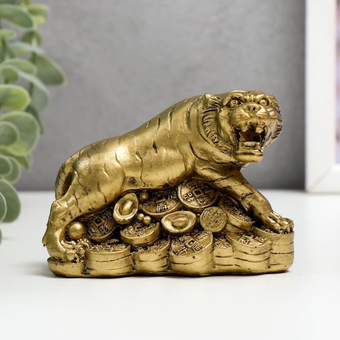 Нэцке полистоун бронза 'Тигр на горке монет и слитков' 6,5х9х5,7 см - фото 1