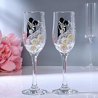 Набор свадебных бокалов 'Жених и невеста' с лепкой, 200 мл, чёрно-белый