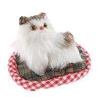 Игрушка на панель авто, кошка на подушке, бело-серый окрас