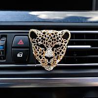 Украшение в дефлектор автомобиля 'Леопард'