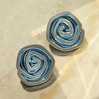 Серьги из акрила 'Фиора' бутон розы, цвет голубо-серебряный