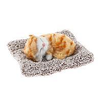 Игрушка на панель авто, кошка на подушке, бело-рыжий окрас