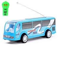 Автобус радиоуправляемый 'Служба доставки', световые эффекты, работает от батареек, МИКС