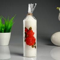 Свеча- цилиндр 'Красные розы' белая, с декором, 5x15,5 см