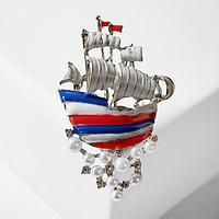 Брошь 'Корабль', цветной в серебре