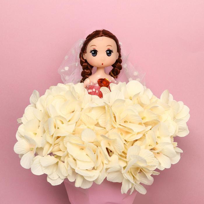 Букет с игрушкой 'Кукла Мия' - фото 2