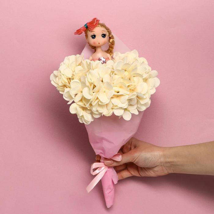Букет с игрушкой 'Кукла Мия' - фото 3